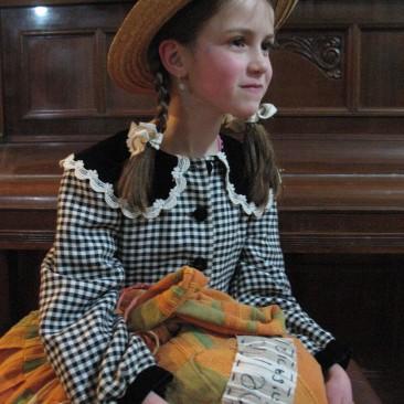 האסופית-אן שרלי- נחמה שור (לא לתחרות)