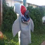 150- תחפושת של כריש אוכל איש- רינת ויספיש